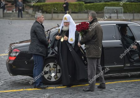 Patriarch Kirill of Moscow and all Rus' (center) during a flower-laying ceremony at the monument to the heroes of the 1612 people's militia K. Minin and D. Pozharsky on Red Square.