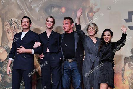Gabriel Luna, Mackenzie Davis, Arnold Schwarzenegger, Linda Hamilton and Natalia Reyes