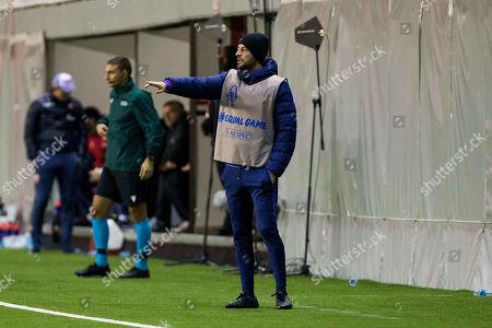 Head Coach John McDermott of Tottenham Hotspurs FC gestures