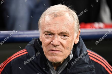 Bayern Munich's assistant coach Hermann Gerland during the UEFA Champions League group B soccer match between Bayern Munich? and Olympiacos Piraeus at the Allianz Arena in Munich, Germany, 06 November 2019.