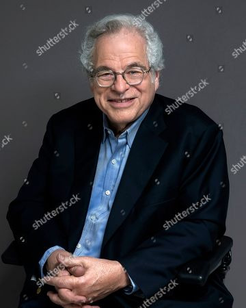 Stock Image of Violinist Itzhak Perlman poses for a portrait in New York