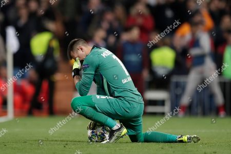 Galatasaray's goalkeeper Fernando Muslera reacts after the fourth goal of Real Madrid during a Champions League group A soccer match between Real Madrid and Galatasaray at the Santiago Bernabeu stadium in Madrid
