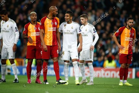 Steven Nzonzi of Galatasaray and Casemiro of Real Madrid