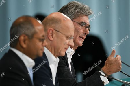 Siemens CEO Joe Kaeser (R) speaks next to Siemens Chief Financial Officer (CFO) Ralf Peter Thomas (C) and Co-CEO Gas and Power Siemens Gamesa Renewable Energy, Michael Sen, during the Siemens annual press conference in Munich, Germany, 07 November 2019.