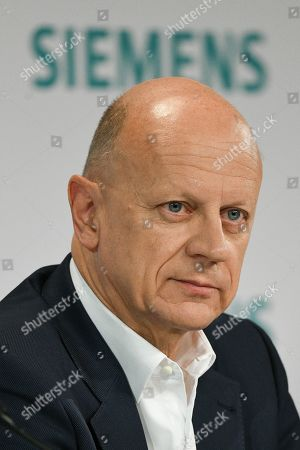 Siemens Chief Financial Officer (CFO) Ralf Peter Thomas looks on during the Siemens annual press conference in Munich, Germany, 07 November 2019.