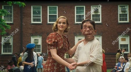 Stock Image of Jess Weixler as Mabel and Adam Pearson as Rosenthal
