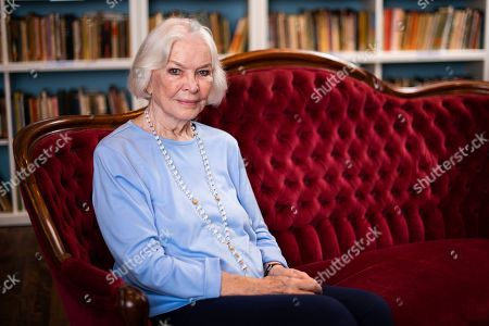Stock Image of Ellen Burstyn poses for a portrait in the Paul Newman Library of the Actors Studio, in New York