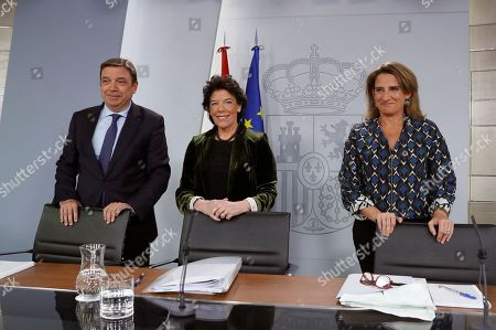 Spanish acting Government's spokeswoman and Education Minister, Isabel Celaa (C) poses for a photograph with Agriculture Minister Luis Planas (L) and Ecologic Transition Minister Teresa Ribera prior to a press conference after their weekly Cabinet meeting at La Moncloa Palace, in Madrid, Spain, 08 November 2019. The Cabinet meeting was the last one held before the Spanish general election scheduled for upcoming 10 November 2019.