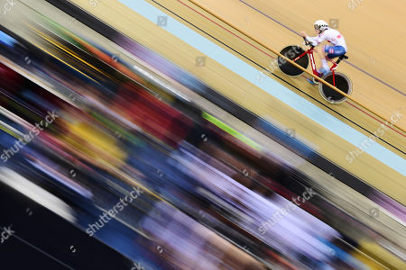 Matthew Robertson of Great Britain rides in the Men's C2 Individual Pursuit.
