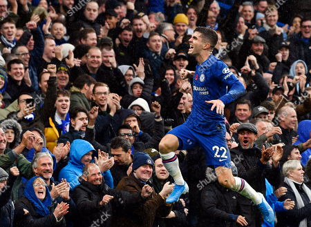 Chelsea's Christian Pulisic celebrates after scoring the 2-0 lead during the English Premier League soccer match between Chelsea FC and Crystal Palace at Stamford Bridge in London, Britain, 09 November 2019.