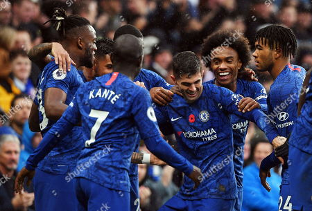Chelsea's Christian Pulisic (C-R) celebrates with teammates after scoring the 2-0 lead during the English Premier League soccer match between Chelsea FC and Crystal Palace at Stamford Bridge in London, Britain, 09 November 2019.