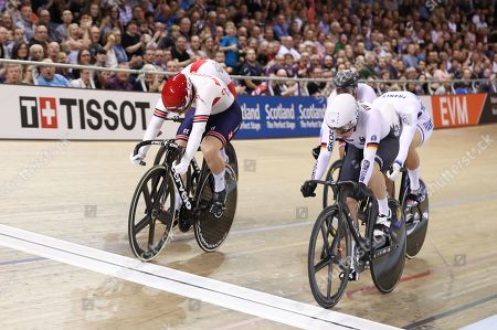 Katy Marchant of Great Britain and Emma Hinze of Germany during the Women's Keirin.