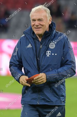 Co-Trainer Hermann Gerland FC Bayern Muenchen), FC Bayern Muenchen - Borussia Dortmund, 09.11.2019 DFL REGULATIONS PROHIBIT ANY USE OF PHOTOGRAPHS AS IMAGE SEQUENCES AND/OR QUASI-VIDEO