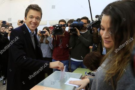 Leader of Spanish Mas Pais party Inigo Errejon (L) casts his vote at a polling station in Madrid, Spain, 10 November 2019. Spain holds general elections after acting Prime Minister Sanchez failed to form government following 28 April elections.