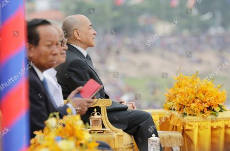 Cambodian King Norodom Sihamoni (3-L) attends the annual Water Festival boat racing event on the Tonle Sap River in Phnom Penh, Cambodia, 10 November 2019. The annual Water Festival runs from 10 to 12 November and features around 300 racing boats, mostly from Cambodian provinces along the Mekong River.