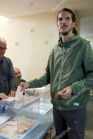 Podemos MP Alberto Rodriguez casts his vote at a polling station in Santa Cruz de Tenerife, Canary Islands, Spain, 10 November 2019. Spain holds general elections after acting socialist Prime Minister Sanchez failed to form government following 28 April elections.