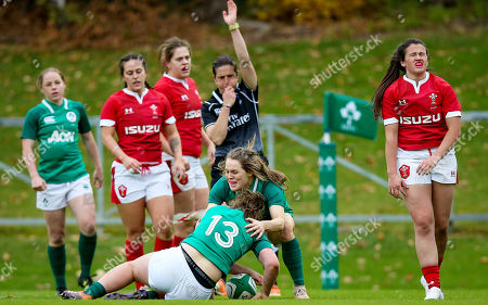 Ireland Women vs Wales Women. Ireland's Enya Breen celebrates scoring a try with Beibhinn Parsons