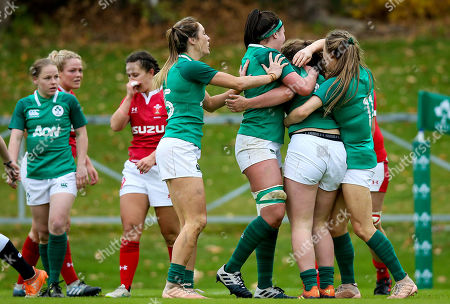 Ireland Women vs Wales Women. Ireland's Enya Breen celebrates scoring a try with teammates