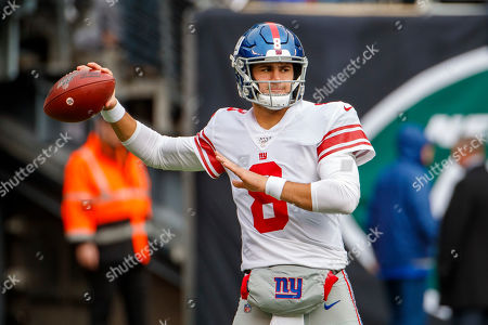 , 2019, New York Giants quarterback Daniel Jones (8) in action prior to the NFL game between the New York Giants and the New York Jets at MetLife Stadium in East Rutherford, New Jersey