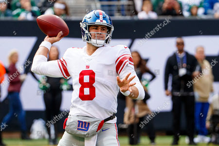 , 2019, New York Giants quarterback Daniel Jones (8) throws the ball during the NFL game between the New York Giants and the New York Jets at MetLife Stadium in East Rutherford, New Jersey