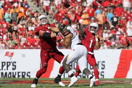 Arizona Cardinals quarterback Kyler Murray (1) throws the ball during the NFL game between the Arizona Cardinals and the Tampa Bay Buccaneers held at Raymond James Stadium in Tampa, Florida. Andrew J
