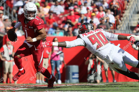 Arizona Cardinals quarterback Kyler Murray (1) scrambles from Tampa Bay Buccaneers linebacker Jason Pierre-Paul (90) during the NFL game between the Arizona Cardinals and the Tampa Bay Buccaneers held at Raymond James Stadium in Tampa, Florida. Andrew J