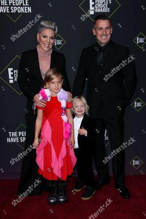 Pink, Carey Hart, Willow Sage Hart and Jameson Moon Hart
