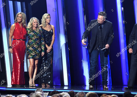 Stock Photo of Blake Shelton - Single of the Year - 'God's Country' - presented by Deana Carter and Lara Spencer