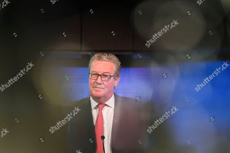 Former Australian High Commissioner to Britain Alexander Downer delivers an address to the National Press Club in Canberra, Australia, 12 November 2019.