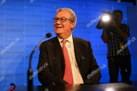 Former Australian High Commissioner to Britain Alexander Downer prepares to deliver an address to the National Press Club in Canberra, Australia, 12 November 2019.
