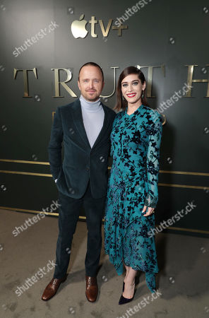 Aaron Paul and Lizzy Caplan at the Apple TV+ global premiere of the original series 'Truth Be Told' at the Samuel Goldwyn Theater on November 21, 2019 in Los Angeles, California. 'Truth Be Told' debuts December 6 exclusively on Apple TV+.