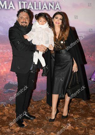 Enrico Brignano, Flora Canto and their daughter Martina