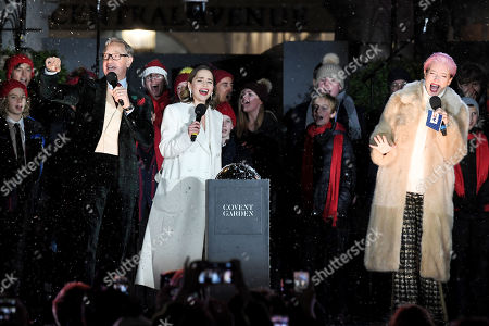 Paul Feig, Emilia Clarke and Emma Thompson singing Last Christmas after switching the Covent Garden Christmas lights on.