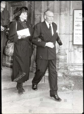 Lord Olivier 1983 Dead 7/89 Sir Lawrence Olivier And Lady Olivier At Sir Ralph Richardson Memorial Service...actors
