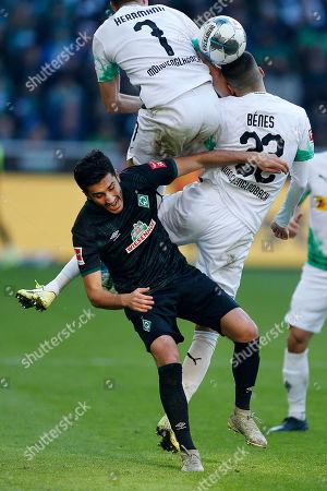 Moenchengladbach, Germany,  1. Football - Bundesliga,  11.  match day, Borussia Moenchengladbach : SV Werder Bremen 3-1 am 10.11.2019  Borussia Park in Moenchengladbach Nuri SAHIN (BRE) , Patrick HERRMANN (MG) and Laszlo BENES (MG) v.n.- GemÂ?§ den Vorgaben DFL German Football Liga ist es untersagt, in dem stadium und/oder vom Spiel angefertigte Fotoaufnahmen in Form of  Sequenzern und/oder videoÂ?hnlichen Fotostrecken zu verwerten bzw. verwerten zu lassen.