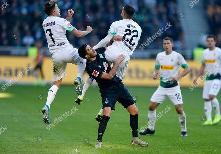 Moenchengladbach, Germany,  1. Football - Bundesliga,  11.  match day, Borussia Moenchengladbach : SV Werder Bremen 3-1 am 10.11.2019  Borussia Park in Moenchengladbach Patrick HERRMANN (MG), Nuri SAHIN (BRE) and Laszlo BENES (MG) v.n.- GemÂ?§ den Vorgaben DFL German Football Liga ist es untersagt, in dem stadium und/oder vom Spiel angefertigte Fotoaufnahmen in Form of  Sequenzern und/oder videoÂ?hnlichen Fotostrecken zu verwerten bzw. verwerten zu lassen.