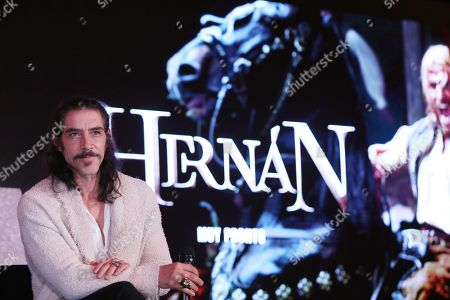 Oscar Jaenada poses for a photograph during the presentation of the series 'Hernan', which will broadcasted on November 24 by Mexican channel Azteca 7, and which shows conqueror Hernan Cortes upon his arrival and at the beginning of the conquest of Mexico on 14 March 1519.