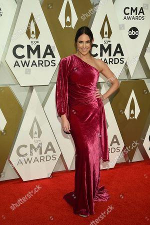 Kelleigh Bannen arrives at the 53rd annual CMA Awards at Bridgestone Arena, in Nashville, Tenn