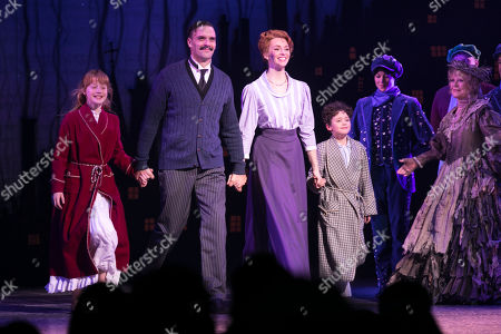 Adelaide Barham (Jane Banks), Joseph Millson (George Banks), Amy Griffiths (Winifred Banks) and Gabriel Payne (Michael Banks) during the curtain call