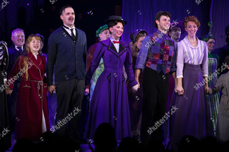 Adelaide Barham (Jane Banks), Joseph Millson (George Banks), Zizi Vaigncourt-Strallen (Mary Poppins), Charlie Stemp (Bert) and Amy Griffiths (Winifred Banks) during the curtain call