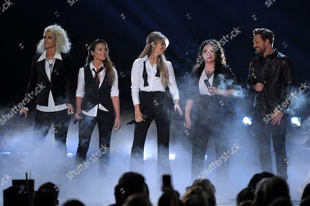 "Jennifer Wayne, Naomi Cooke, Hannah Mulholland, Ashley McBryde, Jimi Westbrook. Jennifer Wayne, from left, Naomi Cooke and Hannah Mulholland of Runaway June, Ashley McBryde and Jimi Westbrook perform ""Girl Crush"" at the 53rd annual CMA Awards at Bridgestone Arena, in Nashville, Tenn"