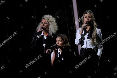 "Jennifer Wayne, Naomi Cooke, Hannah Mulholland. Jennifer Wayne, from left, Naomi Cooke and Hannah Mulholland of Runaway June perform ""Girl Crush"" at the 53rd annual CMA Awards at Bridgestone Arena, in Nashville, Tenn"