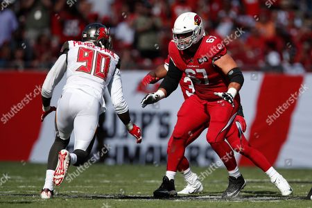 Arizona Cardinals offensive guard Justin Pugh (67) sets to block against the Tampa Bay Buccaneers defense during an NFL football game, in Tampa, Fla. The Buccaneers won the game 30-27