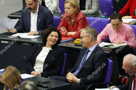 Newly elected chairwoman of The Left party (Die Linke) faction in German Bundestag, Amira Mohamed Ali (L) and the party's chairman Dietmar Bartsch (R) attend a session of the German parliament 'Bundestag' in Berlin, Germany, 14 November 2019. The plenary discussed, among others, the solidarity tax and the competitiveness of the German industry.