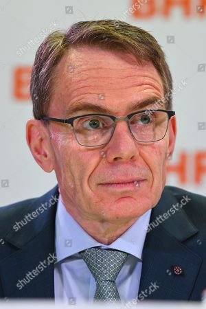 BHP chief executive Andrew Mackenzie looks on during a press conference at BHP headquarters in Melbourne, Victoria, Australia, 14 November 2019. BHP chief executive Andrew Mackenzie will retire as boss of the world's biggest miner at the end of 2019, when insider Mike Henry will take the reins.