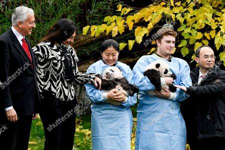 Eric Domb, Marie-Christine Marghem, Cao Zhongming with Pandas Bao Di and Bao Mei