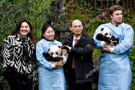 Marie-Christine Marghem and Cao Zhongming with Pandas Bao Di and Bao Mei