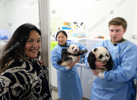 Minister Marie-Christine Marghem with the panda twins