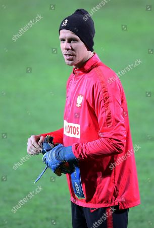 Polish national soccer team goalkeeper Wojciech Szczesny warms up during his team's training session in Warsaw, Poland, 14 November 2019. Poland will face Israel on 16 November and Slovenia on 19 November 2019 in their UEFA EURO 2020 qualifying soccer matches.