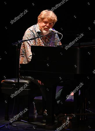 Stock Picture of Mac McAnally
